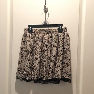 forever21 beige floral skirt with lace detail